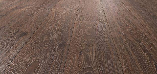 Laminate flooring: Practical tests demonstrate that deeply textured surfaces do not wear out more quickly than smooth ones!