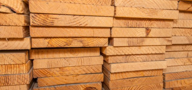 US lumber prices register first decline in five weeks