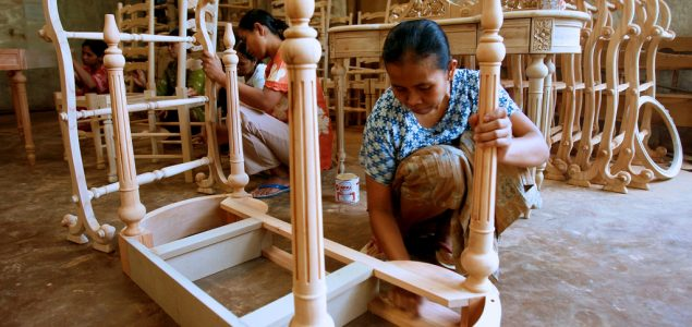 The EU timber license might help Indonesian small-scale furniture exporters access global markets