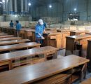 Vietnamese wooden furniture manufacturers worry about raw material shortages