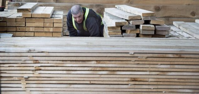 US lumber prices increase again against normal seasonal slowdown