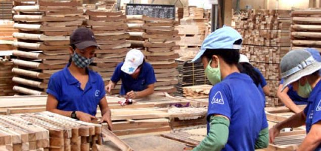 Booming Vietnamese economy as Chinese companies flee out of China to avoid trade war